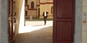 Otvorena vrata bogoslovije