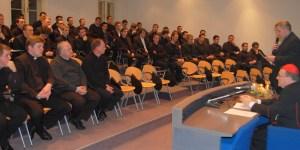 Kardinal Bozanić posjetio Bogosloviju