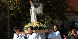 Postojani u molitvi s Marijom, Isusovom majkom