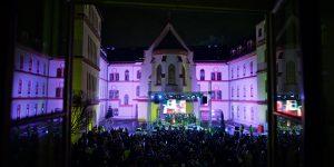 """Humanitarni koncert """"Isus je Božić"""" u dvorištu zagrebačke Bogoslovije"""