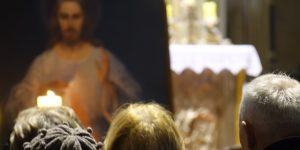 """""""Božić je ulazak Božjeg milosrđa u nemilosrdnost našega života."""""""