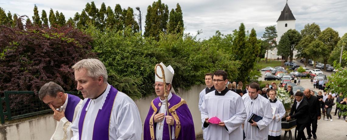 Uvod u sprovodne obrede i homilija u svetoj misi zadušnici